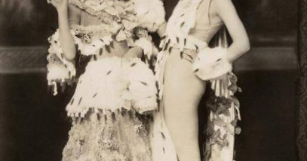 Jean Ackerman Amp Evelyn Groves In The Ziegfeld Follies L
