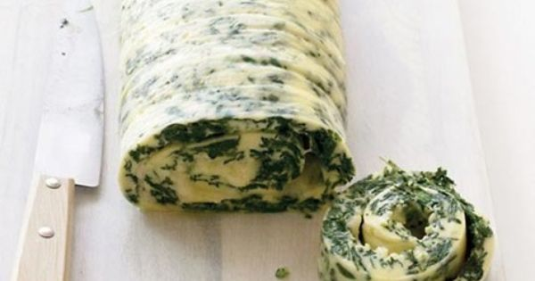 Wonderful Breakfast Recipes: Family-Style Rolled Omelet with Spinach and Cheddar Recipe |