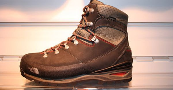 Outdoorkit Ss12 Sneak Preview 1 The North Face Verto S4k Gtx And Verbera Backpacker Boots Mens Hiking Boots Boots Mens Work Shoes