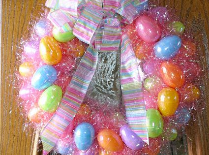 Looking for an Easter craft project? Try this Easter Wreath Tutorial using