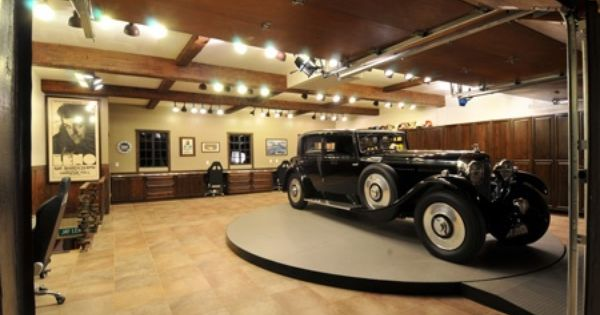 luxury garage interiors | The interior of Jay Leno's home ...
