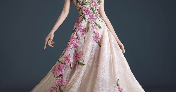 موديلات فساتين السهرة من المصمم البنانى حنا توما جان 2017 Models Of Evening Dresses From The Lebanese D Vestidos De Fiesta Vestidos De Novia Vestido De Madrina