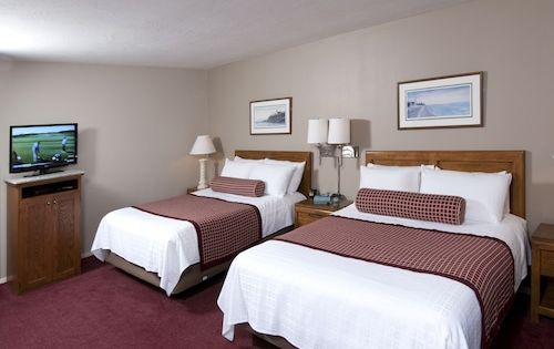 Book Country House Resort In Sister Bay Hotels Com In 2020 Door County Hotels Hotel Door Door County Wisconsin