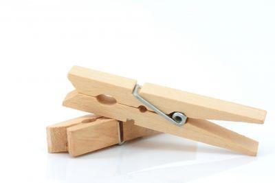 Juegos con pinzas de colgar la ropa aprendiendo jugando for Aprendiendo y jugando jardin infantil
