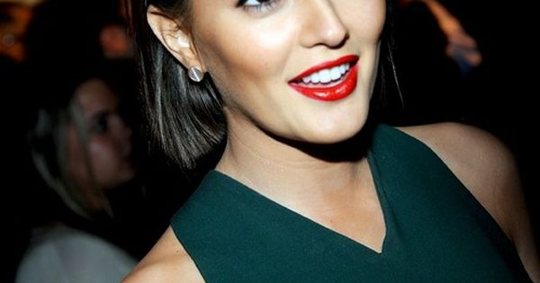 Leighton Meester | Holiday Makeup Inspo