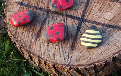 Tree Stump Tic Tac Toe With Painted Rocks games outdoors garden diy