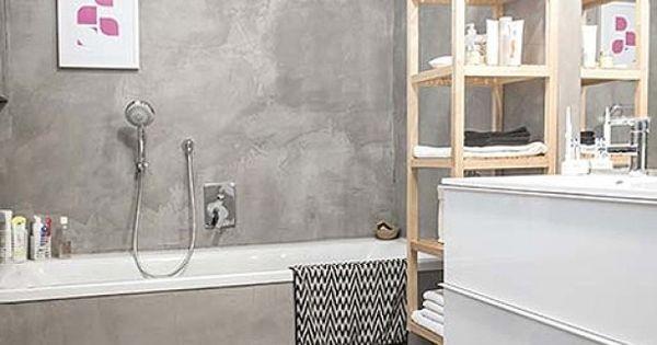 Grijze badkamer italiaans stuc op de muur op de vloer en op de badwand een nieuwe look voor je - Kleine badkamer deco ...