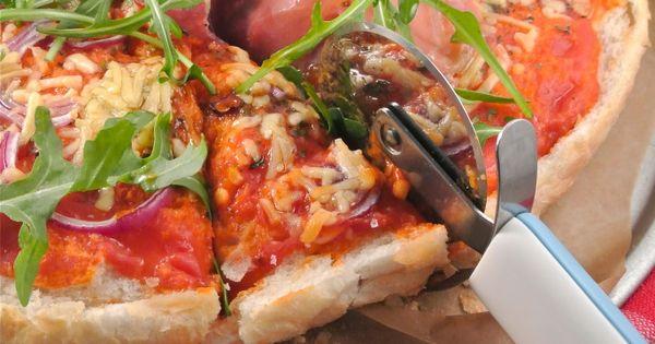 """Lekker en Snel, een """"turkse"""" pizza met parmaham en rucola. Voor de"""