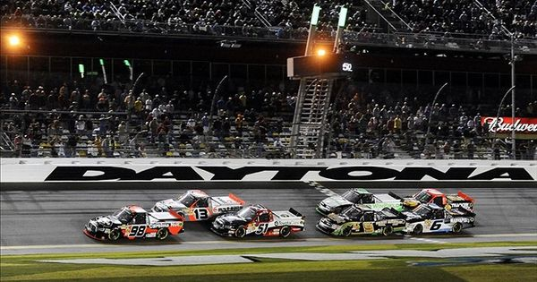 nascar camping world truck series dirt race