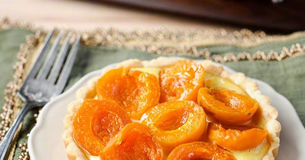 Candycot Apricot Cream Tartlet | Kitchen Confidante // yogurt pastry crust!