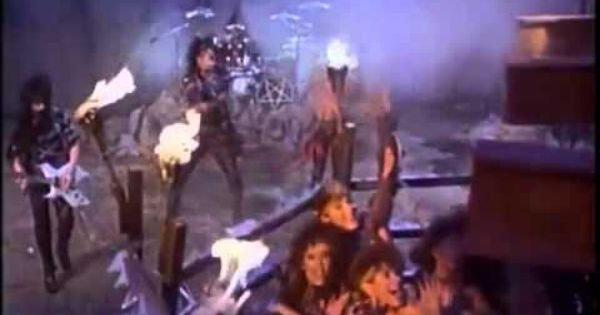 Motley Crue Looks That Kill Official Music Video Youtube Med