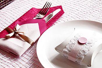 Bekannt Servietten falten zweifarbige Bestecktasche romantisch | Basteln GQ34