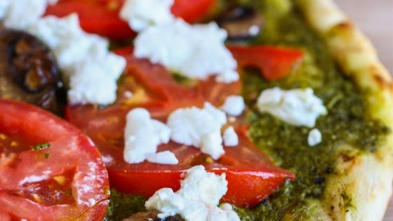 Grilled pesto and goat cheese pizza - Yeah! Finally found a grilled