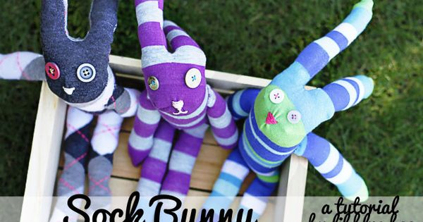 Make these cute sock bunnies for Easter baskets! diy tutorial sock monkey,