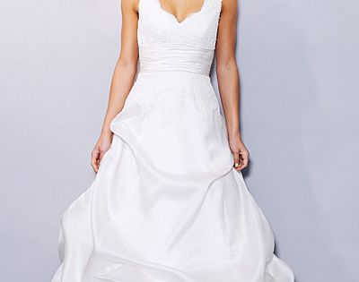 Photos wedding dresses for an inverted triangle body for Wedding dresses for broad shoulders