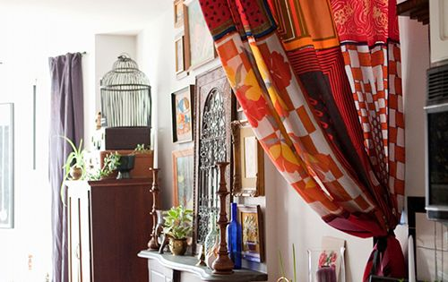 Curtains Can Be Highly Useful For A Small Apartment Use A Light Colorful Material To Help