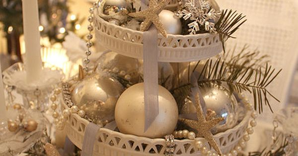 Christmas Centerpiece by Romantic Home, via Flickr