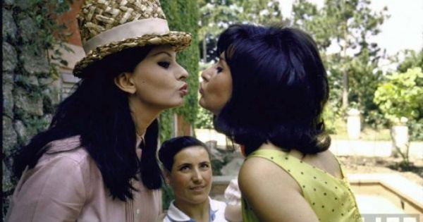 Vintage Sophia Lorenlesbian Threesome  Straight Out The -9743