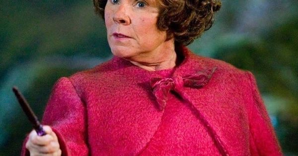 22 Verruckte Fakten Uber Die Harry Potter Filme Die Du Vermutlich Noch Nicht Kennst Harry Potter Film Harry Potter Professoren Verruckte Fakten