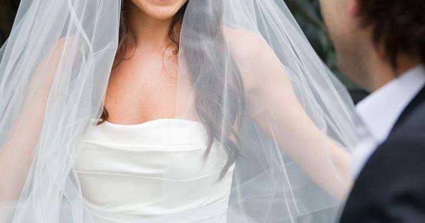 love the long wedding veil