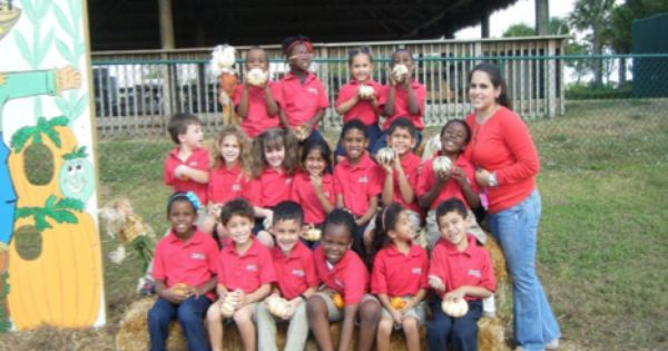 Kindergarteners At Renaissance Charter School At University Visited Bedner S Farm Which Is 80 Acres Of Fall Fun Kinde Charter School School Opening Fall Fun