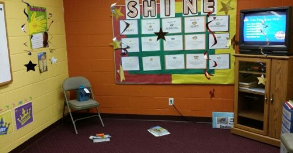 Go Fish Guys Shine Vbs Focus Wall With Name Of Crown Verse And