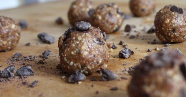 Clean eating Raw Peanut butter Cookie Dough Bites | Snacks | Pinterest ...