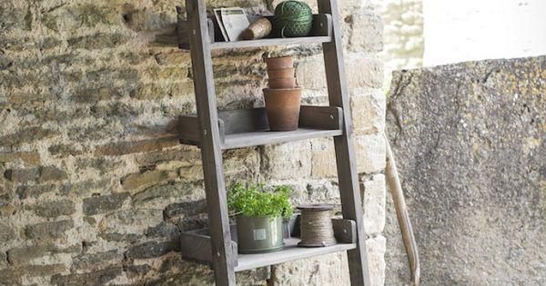 Houten decoratie ladder creatief met houten trap for Houten trap buiten