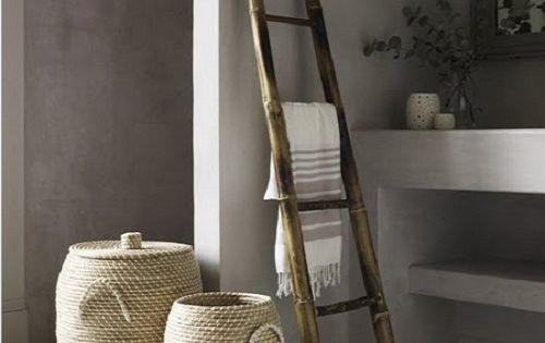 Escalera de mano como toallero wood ladder used as a - Escaleras de mano ...