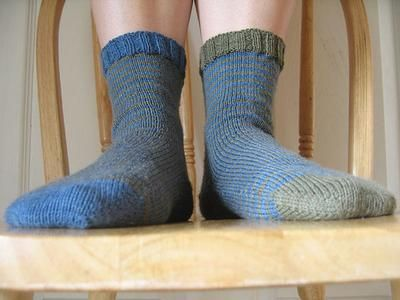 Knitted Sock Patterns On Circular Needles : Fred & George Socks - toe-up socks (magic loop, one circular needle) To...