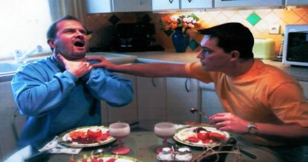 Que faire face à une personne qui s'étouffe ?(2) | Sport