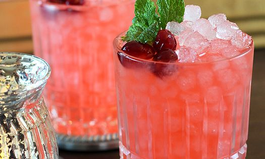 Cranberry Ginger Fizz Cocktail for Happy Hour Friday. Want to make!