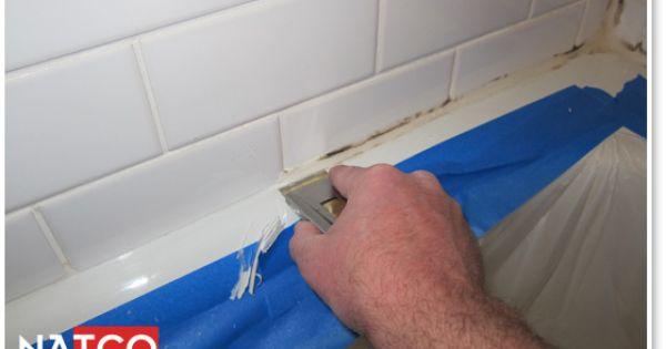 Removing Moldy Caulk In A Bathtub How To Clean And Re Caulk A Bathtub Pin