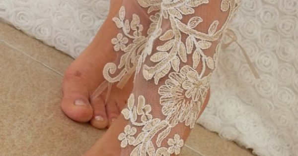 bridal anklet raw slik color ivory frame Beach by BarefootShop | See more about Anklet, Ivory and Frames.