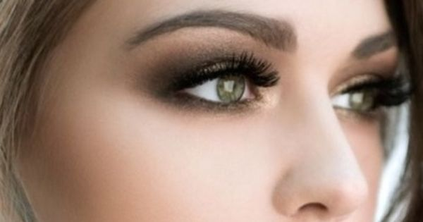 Love the gold-bronze-dark brown eye makeup. Really make ...