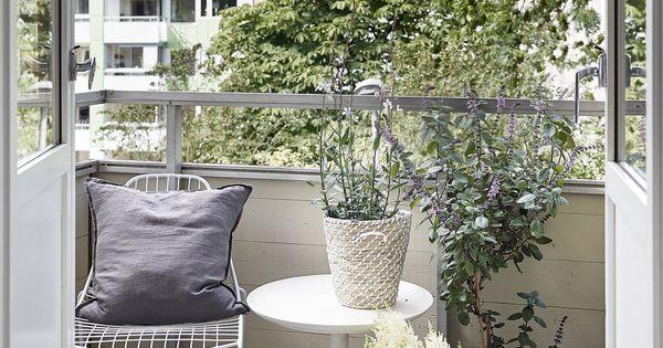 un petit balcon am nag balcony outdoor living. Black Bedroom Furniture Sets. Home Design Ideas