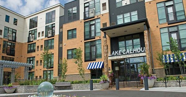 lake calhoun city apartments in uptown minneapolis mn has