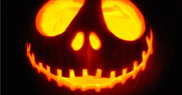 jack o 39 latern halloween steht vor der t r und das hei t. Black Bedroom Furniture Sets. Home Design Ideas