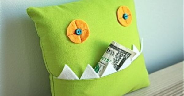 toothfairy pillow. -what an adorable idea! DIY kids fun monster