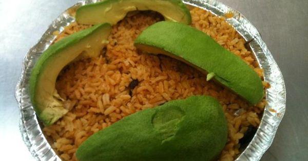 Locrio de tuna con aguacate comidas dominicanas pinterest for Chambre de guandules