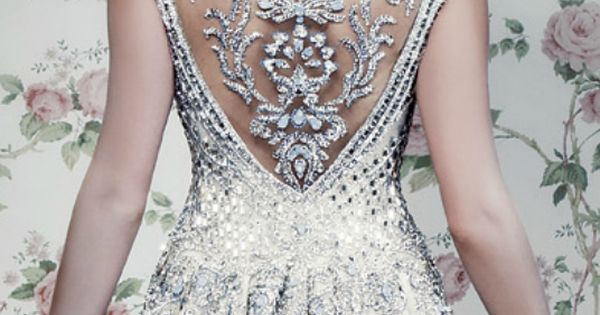 WOW!! Extreme Detail White Gown fashion wedding dress back bride jewels formal