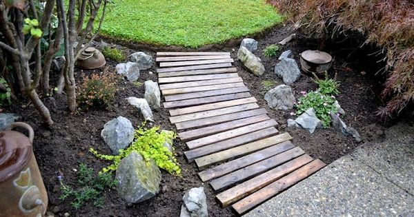 DIY - make a pallet board / wood garden path boardwalk path