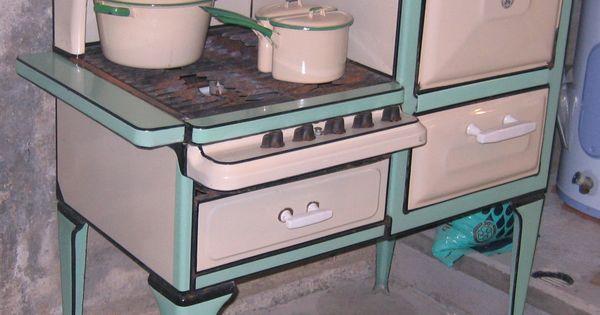 1920s Even Heet Gas Stove Vintage Kitchen Appliances