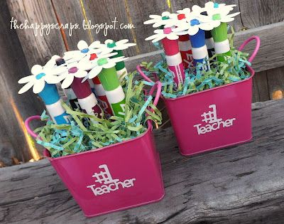 DIY teacher appreciation gift ~ dry erase marker flowers ~ fabulous idea!
