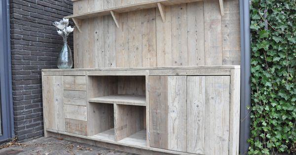 Buitenkeuken kast gemaakt van geschuurd gebruikt steigerhout voorzien van veel opbergruimten - Ideeen buitentuin ...