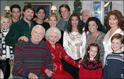 Days of Our Lives Photo: Christmas 2002 Cast Picture in 2020