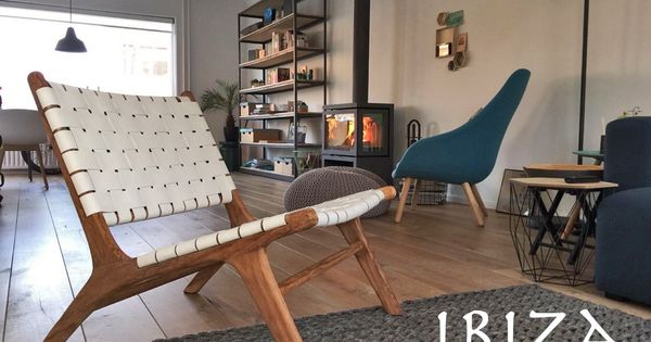 Leuke foto ontvangen van bianca uit leiden met in haar nieuwe woonkamer de ushuaia vintage - Naakt in haar woonkamer ...