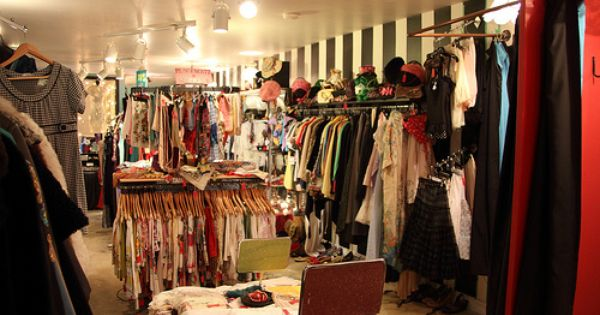 Vintage Shopping In Canada Best Stores Of Toronto Victoria Vancouver Vintage Clothing Display Vintage Shops Vintage Boutique