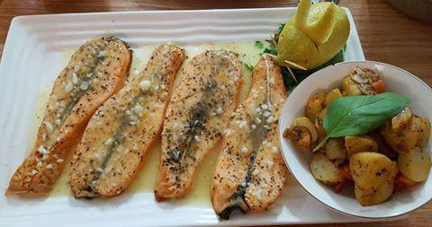 مطبخنا فيليه سلمون مشوي بالفرن مع صلصة الزبدة والثوم Healthy Food Choices Recipes Cooking Recipes