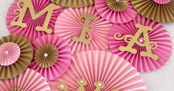 Princess Theme Paper Fans  Set Of 13, Princess Party Backdrop, Princess  Crown Decor, Royal Birthday, Pink And Gold Birthday | Flávia Festas |  Pinterest ...